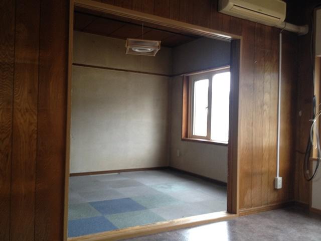 幕別町札内桜町46-9平屋内観リビングから東側個室方向