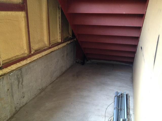 帯広市西8南16丁目渡辺ビル内観階段下収納