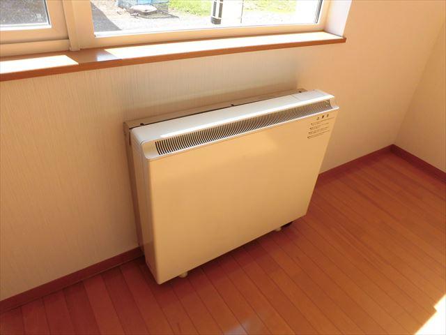 【北側洋室:暖房機器】TYコート